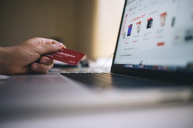 9 Best Realistic Credit Card Mockups 2018